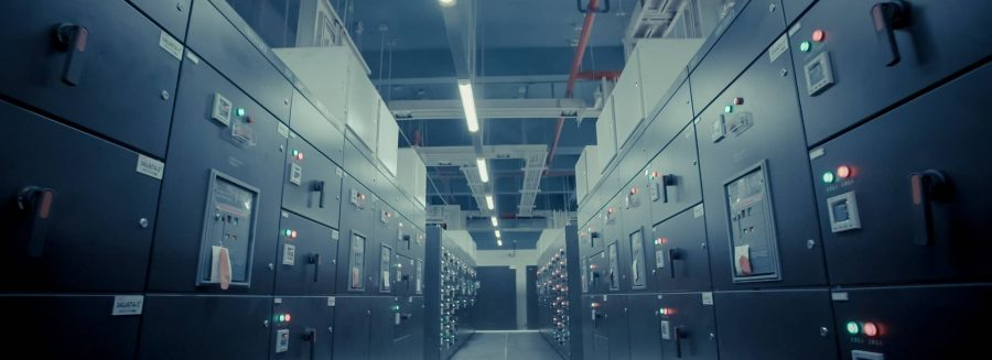 Decommissioning data centers