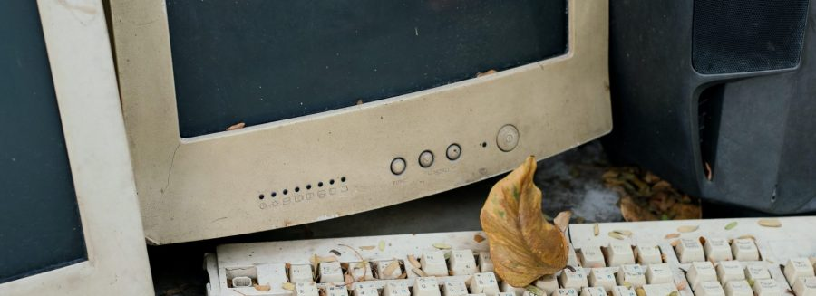 An old computer that benefits from recycling e-waste